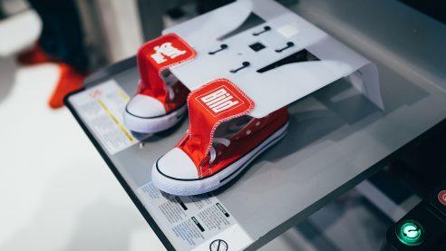 Besondere Aktion von BILD: Gebrandete Schuhe für die Besucher
